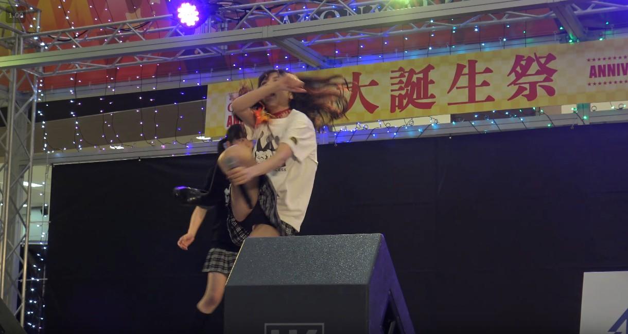 【おやゆびプリンセス】石川県のアイドルがハイキックで純白パンチラ | ぱんつべ